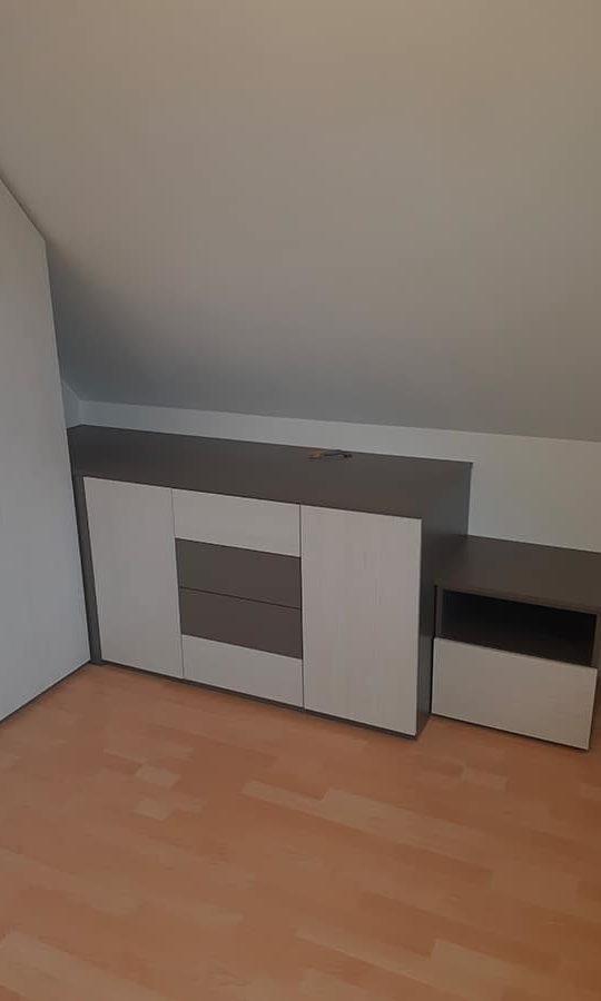 aménagement d'un rangement sous-pente