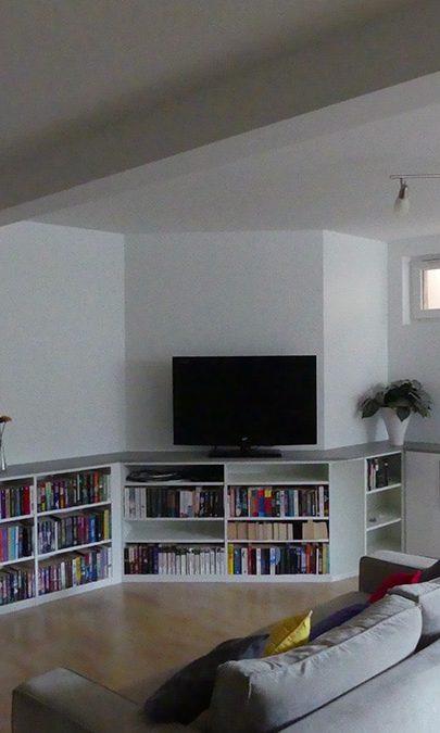 création d'une bibliothèque sur mesure dans un salon