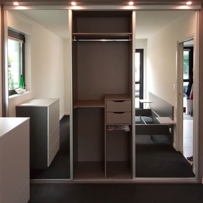placard 3 portes sur-mesure plus éclairage